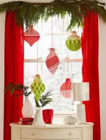 Window Decorating Ideas by 70 Awesome Christmas Window D 233 Cor Ideas Digsdigs