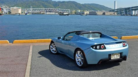 Four Car Garage by There S Going To Be A Brand New Tesla Roadster Soon