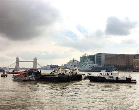 thames river cruise sinking river thames party boat begins sinking near london bridge