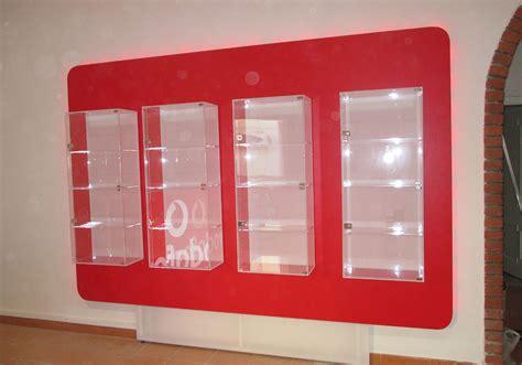 arredamento negozio telefonia arredo plexiglass 0002 arredo negozio telefonia neon