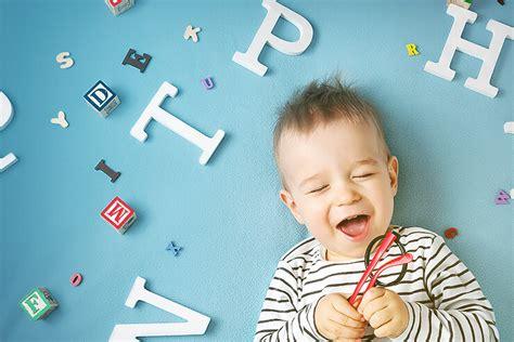 ab wann können baby sprechen ab wann k 246 nnen babys sehen kidsroom de babyblog