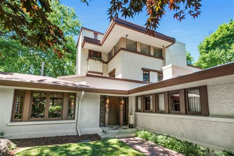 frank lloyd wright style homes for sale frank lloyd wright homes for sale around chicago curbed