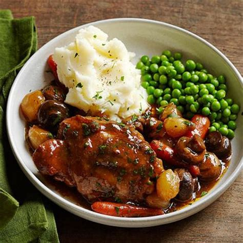35 favorite chicken slow cooker recipes midwest living