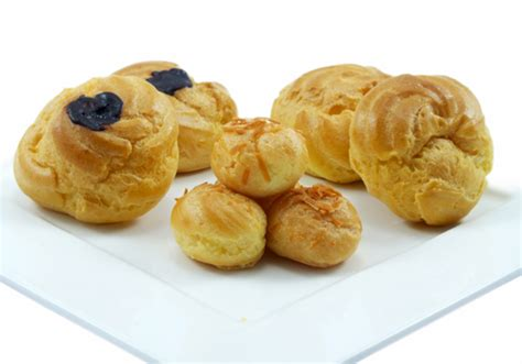 Kue Soes Vanilla le gourmet kue traditional pudding cake cookies pastry detail of product