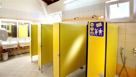 bagni bambini fotografie degli impianti igienico sanitari ceggio cikat