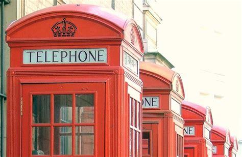 cabine telefoniche inglesi le cabine telefoniche inglesi diventeranno defibrillatori