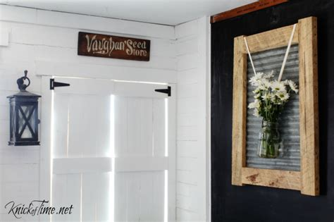 farmhouse wall decor combining rustic and industrial with farmhouse style