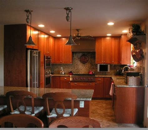 Color Forte: Cherry Wood Kitchen Cabinets with an Amber Glow