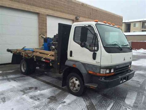 Mitsubishi Fuso 2004 Box Trucks