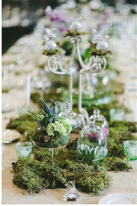 moss table runner centrepieces