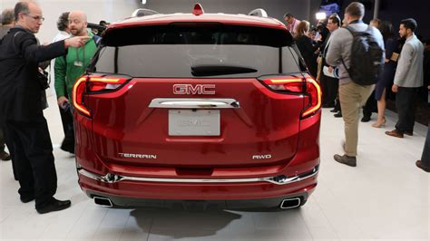 detroit gmc the gmc terrain s shifter is worst in show at detroit