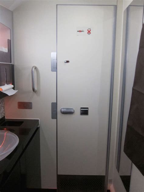 how to use airplane bathroom 92 airplane bathroom door 13 things to know before using an airplane lavatory