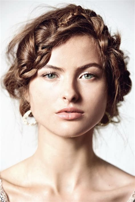 feathered hairstyles for women feathered hairstyles for women