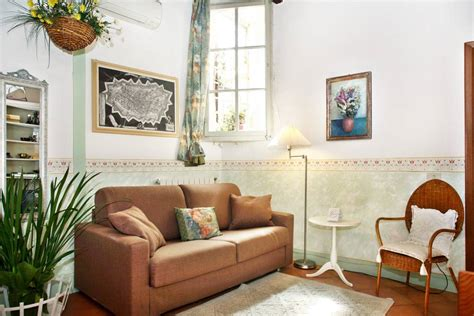 Charming and inside the walls!!   Apartments for Rent in