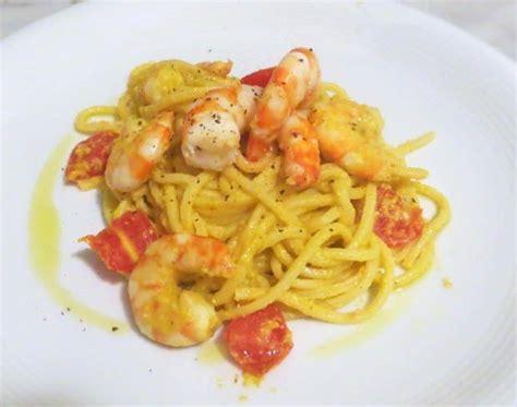 ricetta pasta e fiori di zucca spaghetti alla chitarra con pesto di fiori di zucca e