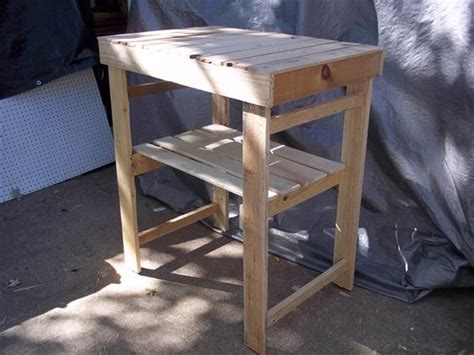 pallet garden work bench diy wooden pallet garden work bench pallet furniture plans