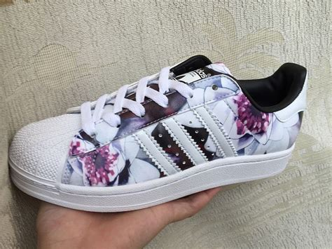 adidas originals superstar   ii rose floral print white