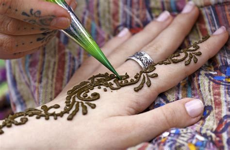 how to apply mehndi for beginners 9 steps