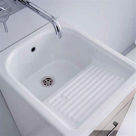 vasca lavatoio in ceramica lavatoi e pilozzi in ceramica