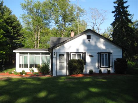 Lake Michigan Vacation Rentals Cottages For Rent Lake Cottage Rentals In Michigan