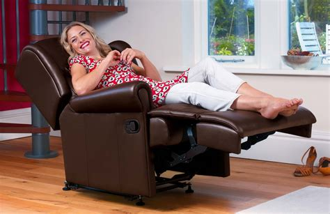 Chair To Relieve Back by How Recliner Chairs Help To Relieve Back Sc 1 St