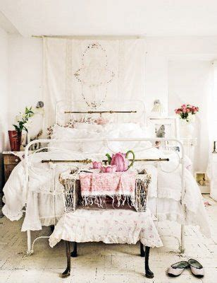 25 best ideas about romantic shabby chic on pinterest country style pink bathrooms shabby