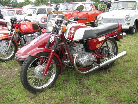 Jawa Motorrad Forum by Motorrad Jawa 350 Mit Beiwagen Beim Oldtimer Treffen