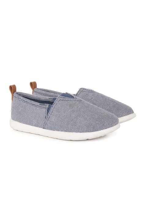 a remarkable blue pattern canvas shoe for you all