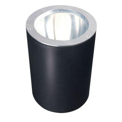 Eclairage Arbre Exterieur by Spot 224 Enterrer Fixes Pour Arbres Coloris Noir Castorama