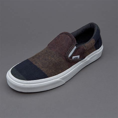 Sepatu Vans Classics sepatu sneakers vans womens classic slip on wool stripes multi