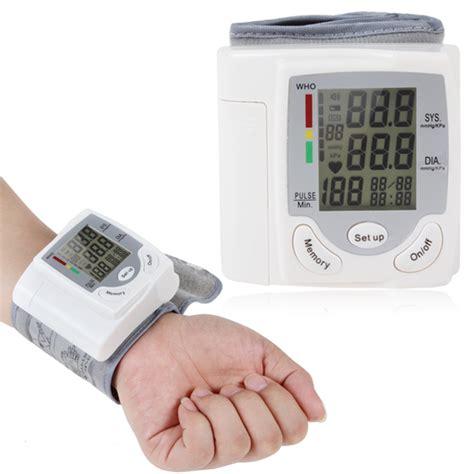 Sphygmomanometer Wrist Blood Pressure Monitor Tekanan Darah Digital portable home care automatic digital arm blood pressure monitor sphygmomanometer wrist