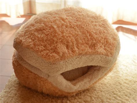 cat burger bed this cat burger bed will turn your cat into an adorable