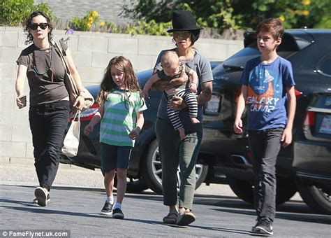 linda perry and joe perry related sara gilbert goes gaga for her baby with wife linda perry