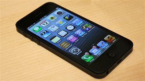 i phone 5 for sale iphone 5 impressions photos and of apple s new phone abc news