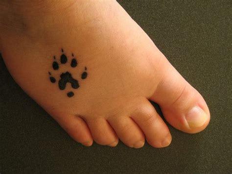 small bear paw tattoo on foot tattooshunt com