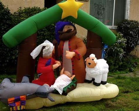 replacing lights in inflatables 744 best outdoor decorating ideas images on