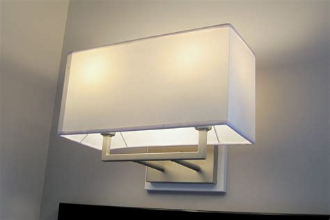 Lighting Fixtures Bathroom White Porcelain Contemporary Bathroom Light Fixture 6778