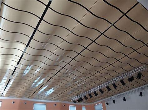 controsoffitto a pannelli oltre 25 fantastiche idee su controsoffitti in legno su