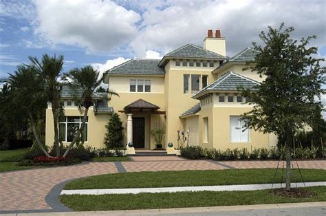 houses with stucco and siding is synthetic or traditional stucco siding better for your home