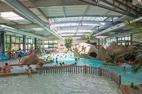 Camping avec piscine couverte et chauffée Vendée Parc aquatique 85