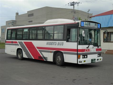 couch buses hino rainbow wikipedia