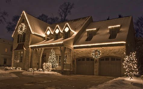 ideas for christmas lights on a ranch house dugan front right outdoor lighting in chicago il outdoor accents