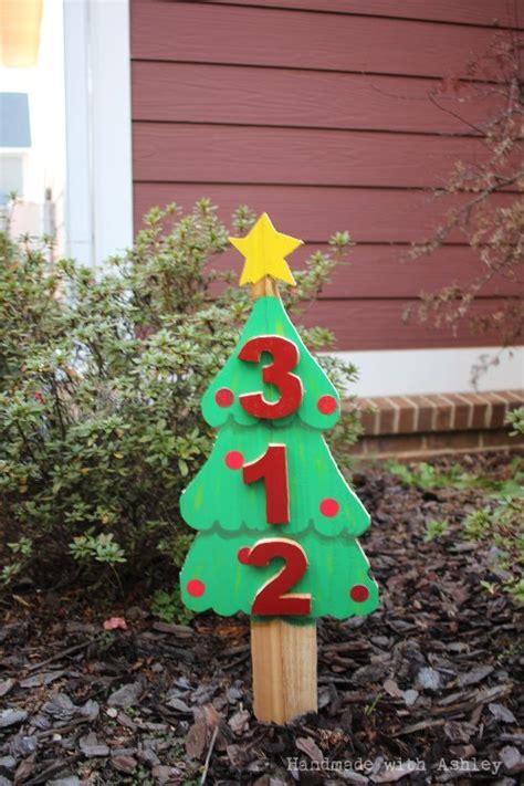 hometalk diy scrap wood christmas tree address sign