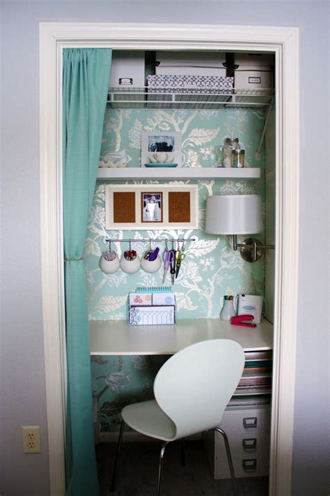 Closet Desk Plans by Best 25 Home Office Closet Ideas On Office