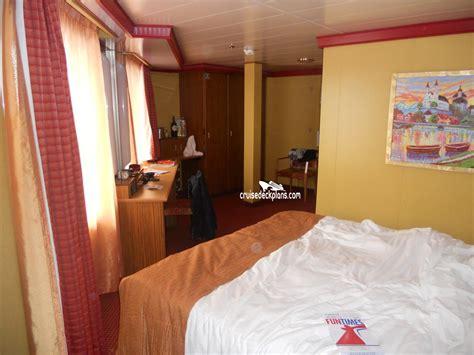 sims carnival splendor cabin photos
