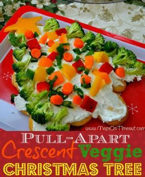 cresent roll christmas tree with spinach pull apart veggie wreath crescent rolls cheese and veggies great starter