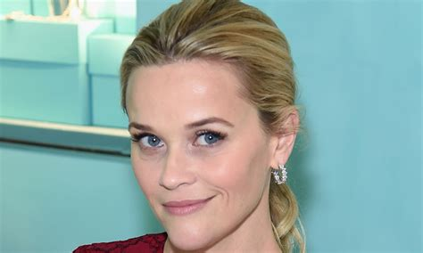 Reese Witherspoons New Look by Reese Witherspoon Reveals New Look
