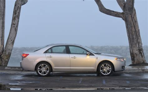 2010 lincoln mkz first drive motor trend