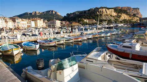 catamaran cruise lunch in the calanques national park city pass marseille 24 hours 48 hours or 72 hours