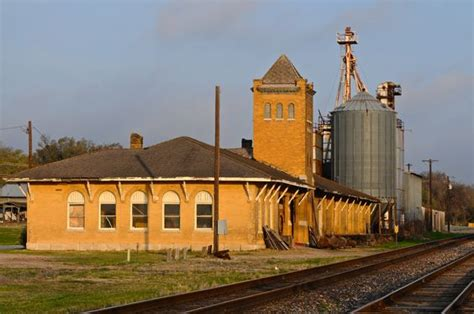 this is the weatherford county depot in